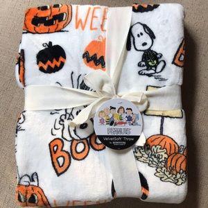 "Peanuts Halloween Blanket 55X70"" NWT"